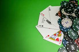 Unearth The Remarkable Benefits Of Considering Online Casinos Over Land-Based Ones!!